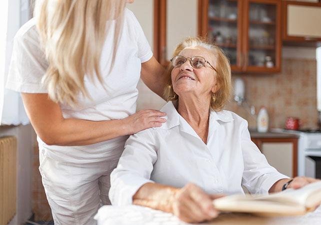 Vorteil Pflegedienst - Verbleib in vertrauter Umgebung - Amor Pflegedienst
